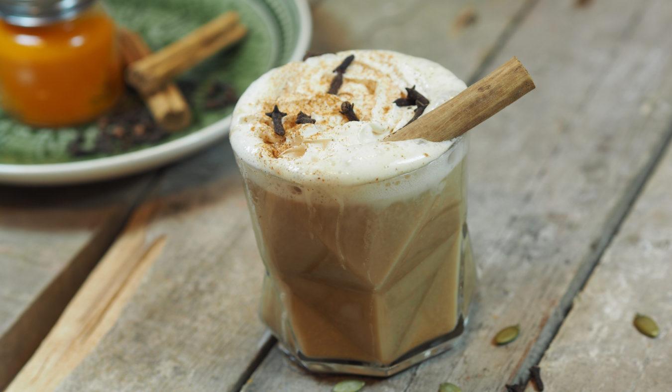 Vegan pumpkin spiced latté